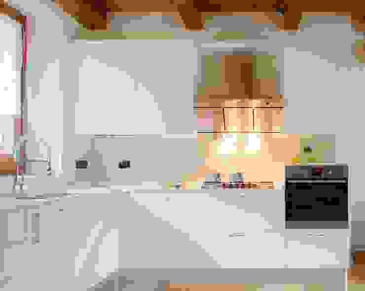 MiniCucine.com Built-in kitchens Wood White