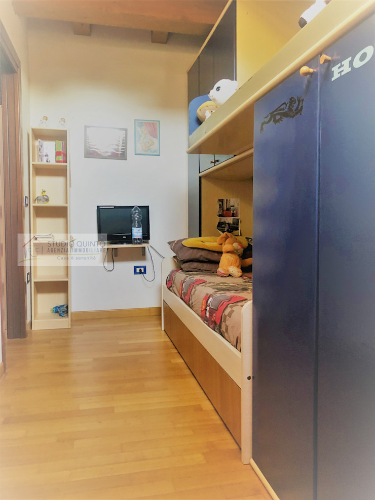 Agenzia Studio Quinto Dormitorios de estilo moderno