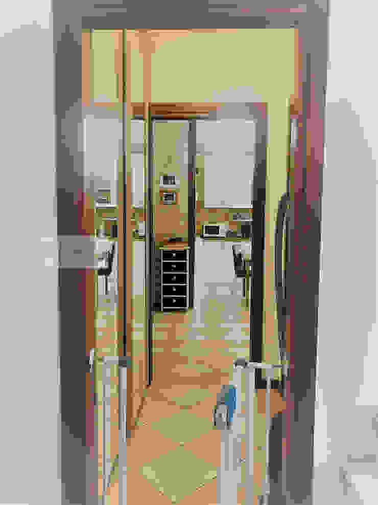Agenzia Studio Quinto Pasillos, vestíbulos y escaleras de estilo moderno