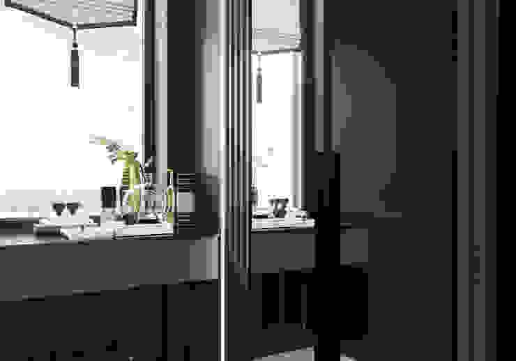 Прихожая Студия дизайна ROMANIUK DESIGN Коридор, прихожая и лестница в классическом стиле