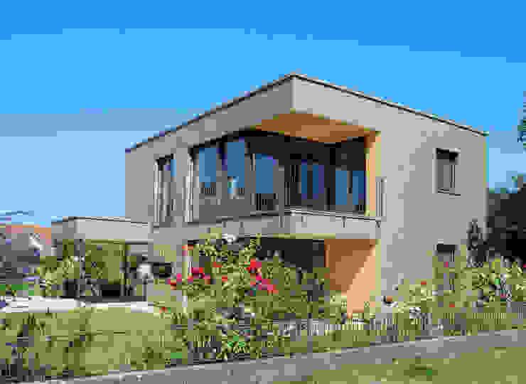 schroetter-lenzi Architekten Casas pequenas Alumínio/Zinco Metalizado/Prateado