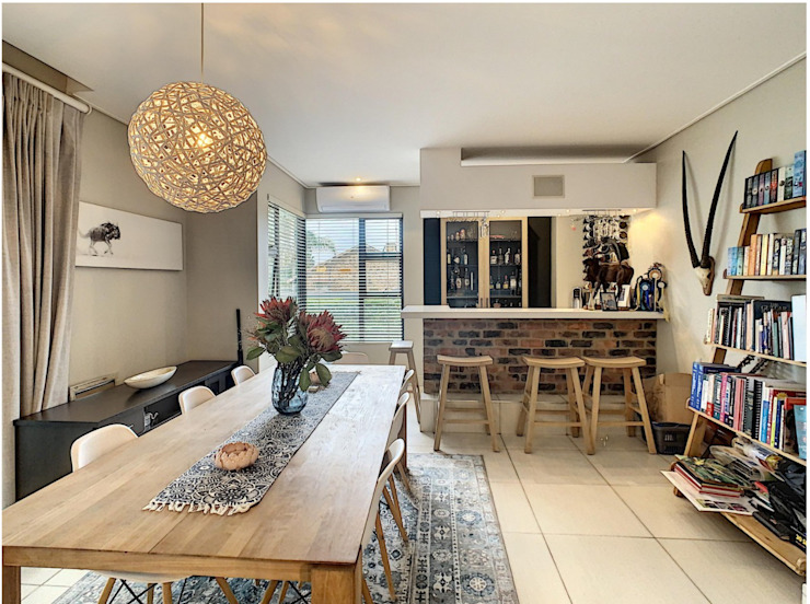 Young Couples Home Renovation, Pretoria CS DESIGN Eclectic style dining room
