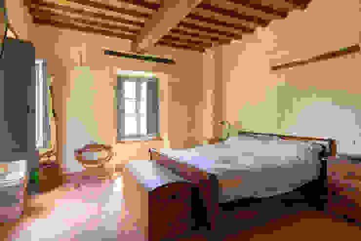 Camera da letto Sabrina Pezzoli Camera da letto piccola Legno massello Beige