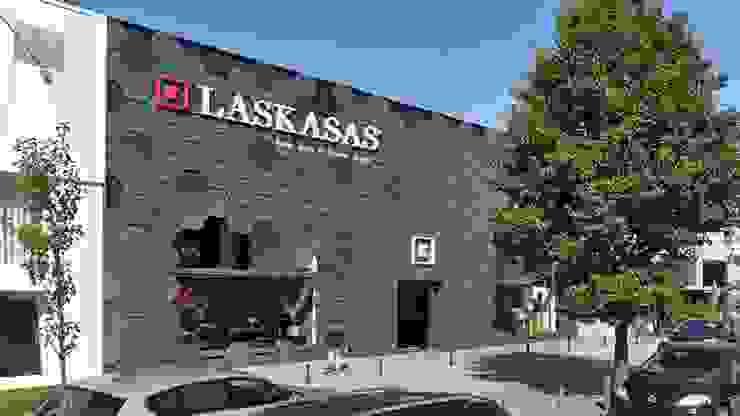 Remodelação da Loja de Mobiliário – Laskasas Esboçosigma, Lda Centros Comerciais modernos