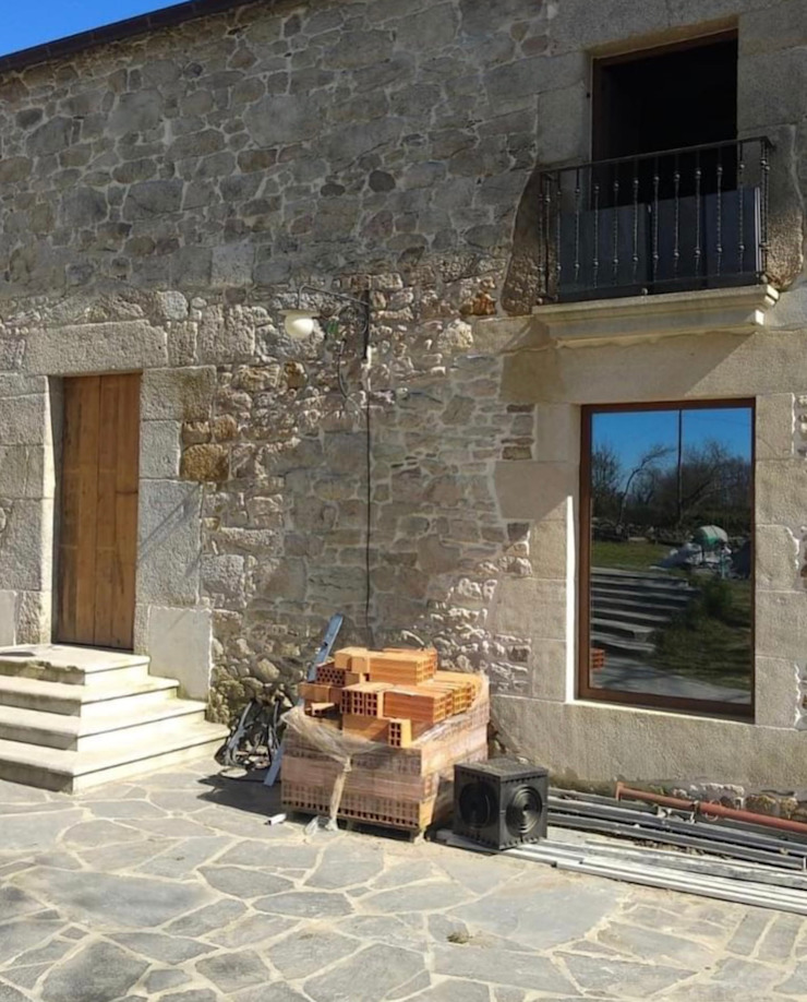 GRUPO CECATHER   FOLIO RADIANTE - SUELO RADIANTE Rumah pedesaan Batu Grey