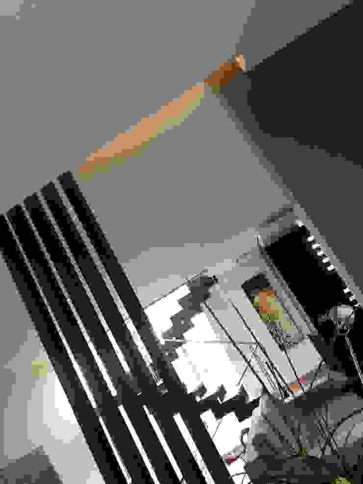 A filter between the kitchen and the living MEF Architect WoonkamerKasten & dressoirs Hout Zwart