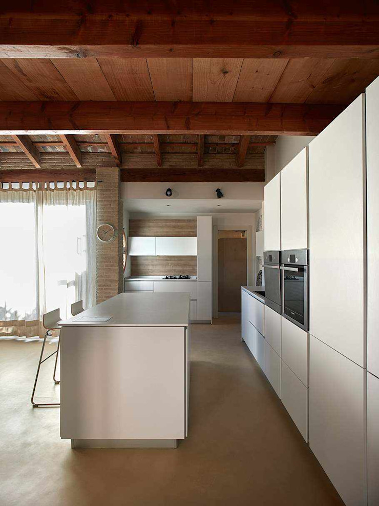 Topciment press profile homify Modern style kitchen