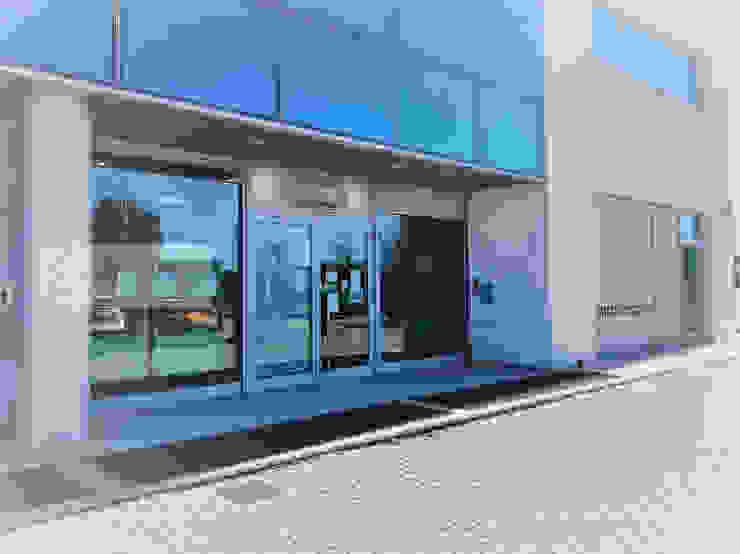 Agenzia Studio Quinto Casas de estilo industrial