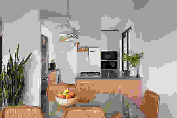 cocina integrada Thomas Löwenstein arquitecto Cocinas equipadas Madera Blanco