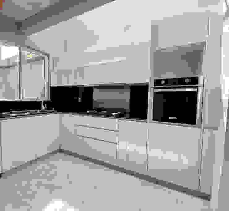 La Central Cocinas Integrales S.A de C.V Modern kitchen