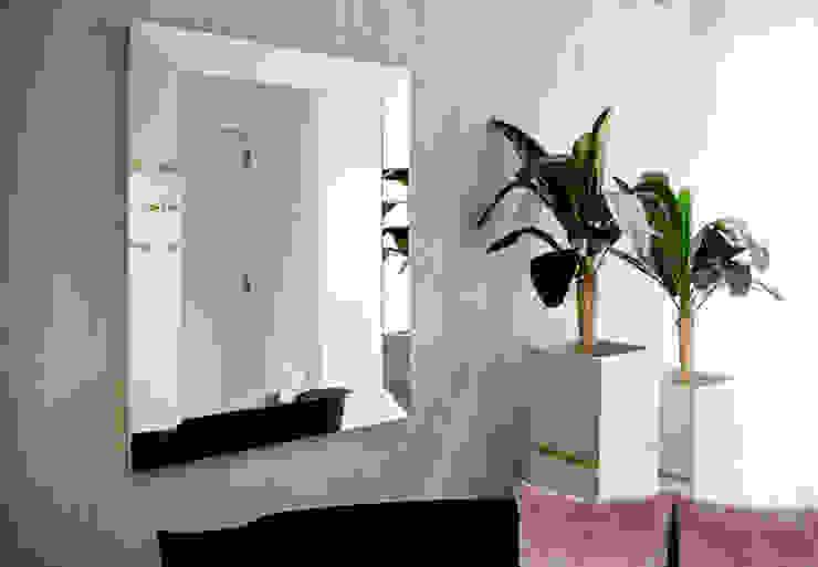 Hall de Entrada | Inês Mocho ByOriginal Corredores, halls e escadas minimalistas
