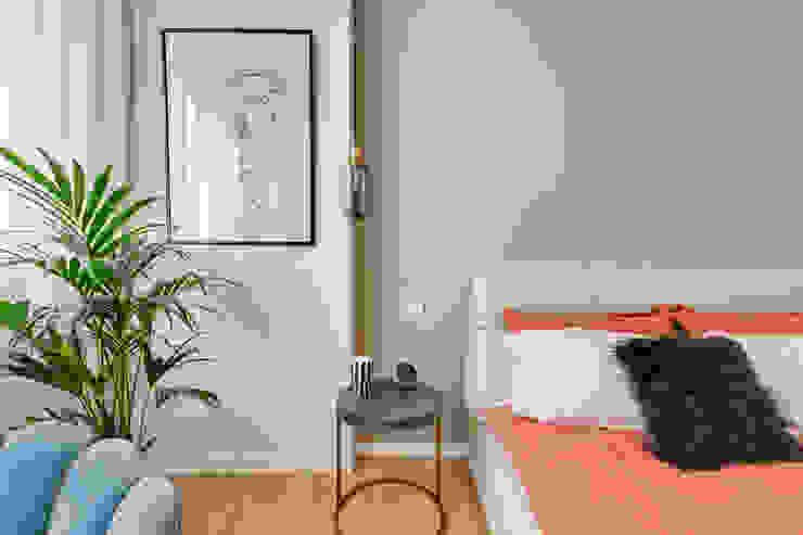 Chroma Studio Modern style bedroom