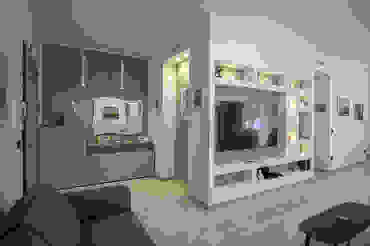 Ingresso Rosa Gorgoglione Architetto Ingresso, Corridoio & Scale in stile moderno