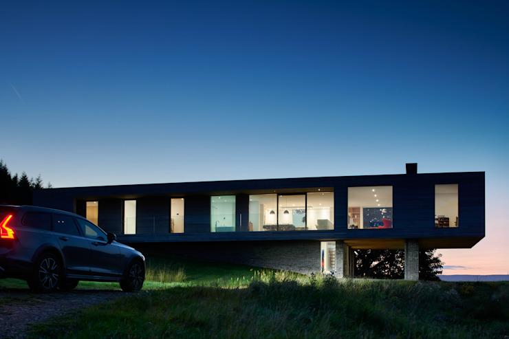 Upper Parkbrae approach Brown & Brown Architects Detached home