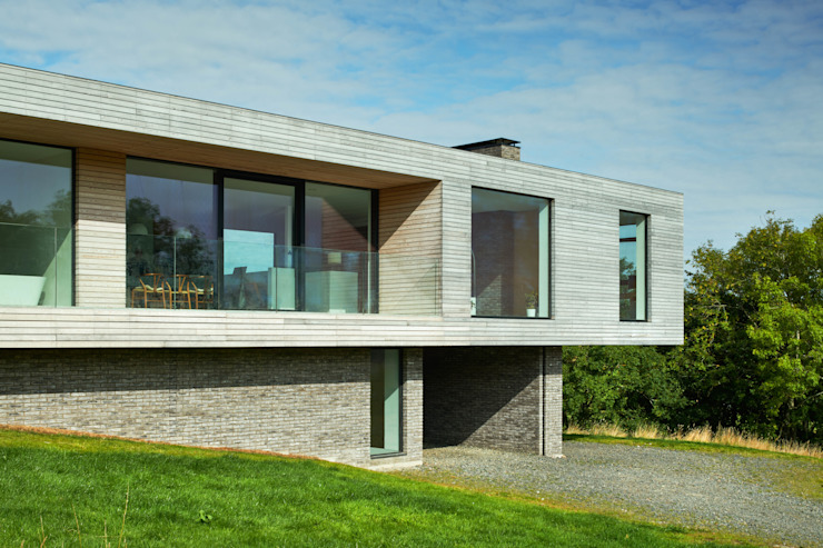 Upper Parkbrae in the landscape Brown & Brown Architects Detached home