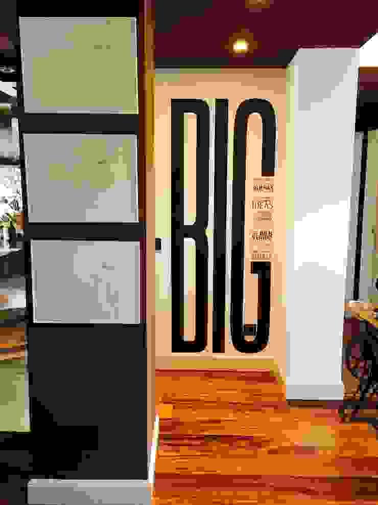 Estudio RYD, S.L. Modern Living Room Wood-Plastic Composite Beige