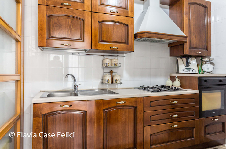 Flavia Case Felici Cocinas de estilo clásico
