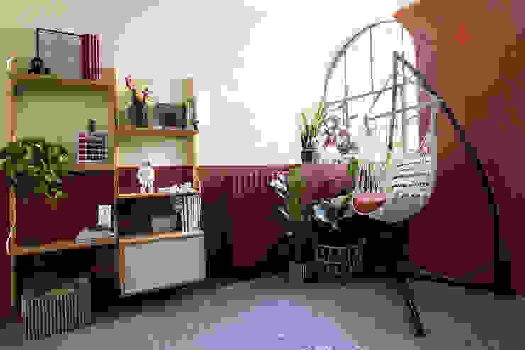 Unusual Studio - il nostro studio dall'animo Jungle | 50 MQ Unusual Studio Negozi & Locali commerciali in stile tropicale