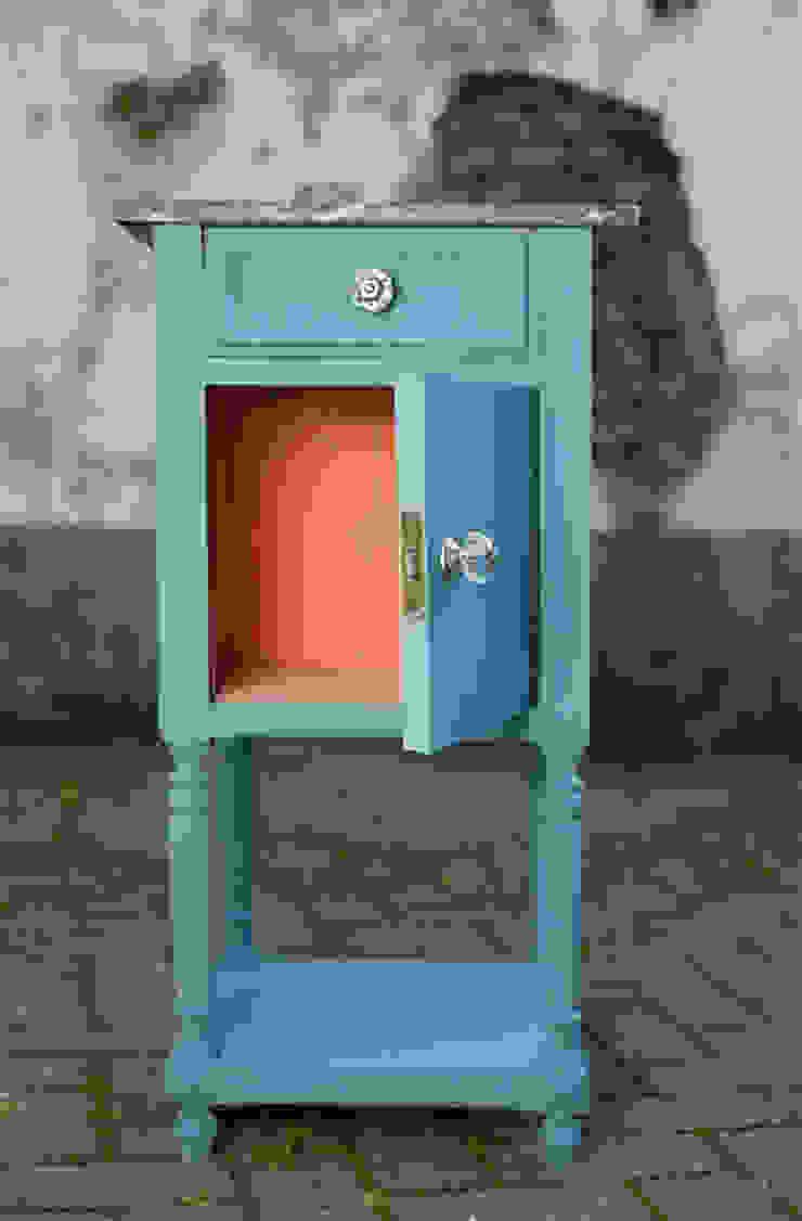 YELLOWCHAIR Kreidefarben für Wände & Möbel bei Schablono ab-design GmbH GartenAccessoires und Dekoration Holz Blau