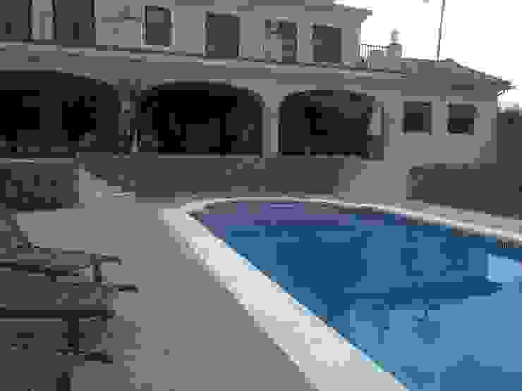 CONSTRUCCIONES Y REFORMAS VALLE DE ARDALES S.L. Garden Pool