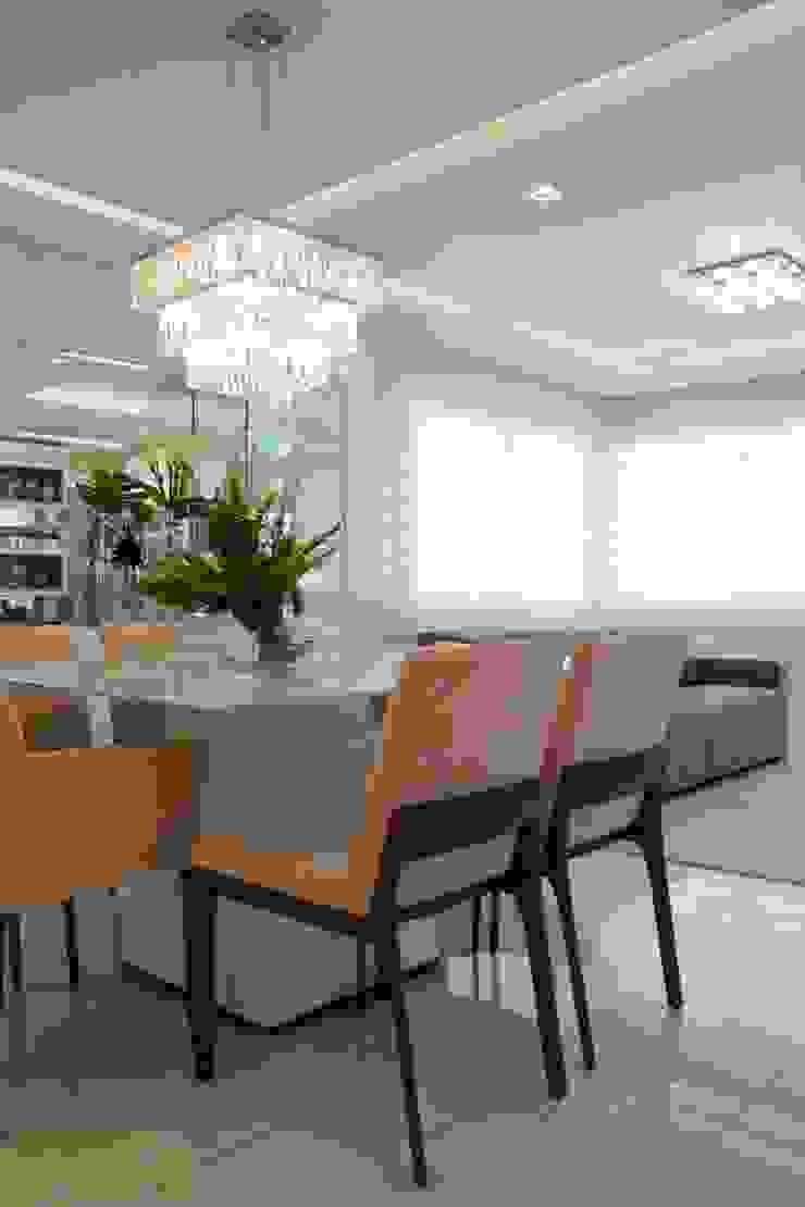 Graça Brenner Arquitetura e Interiores Modern dining room MDF White