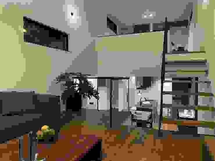 TKD-ARCHITECT Salas de estilo moderno Madera maciza