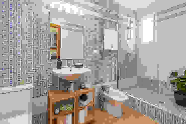 custom casa home staging Mediterranean style bathroom