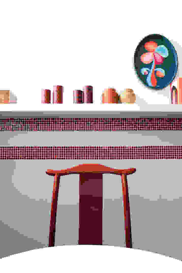 CUCINA - dettaglio OPA Architetti Cucina in stile asiatico Rosso