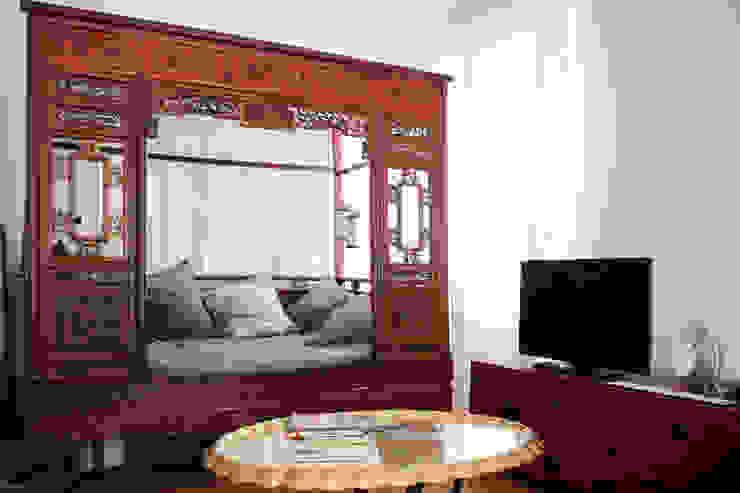SOGGIORNO OPA Architetti Soggiorno in stile asiatico Rosso