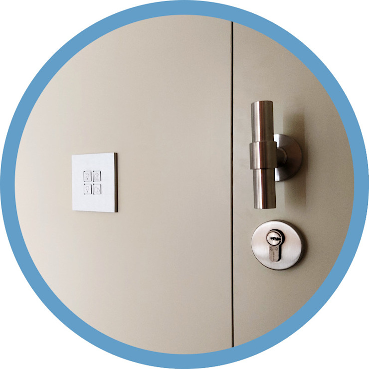Indomotiq, Inmótica y Domótica (Madrid y zona centro) Modern style doors