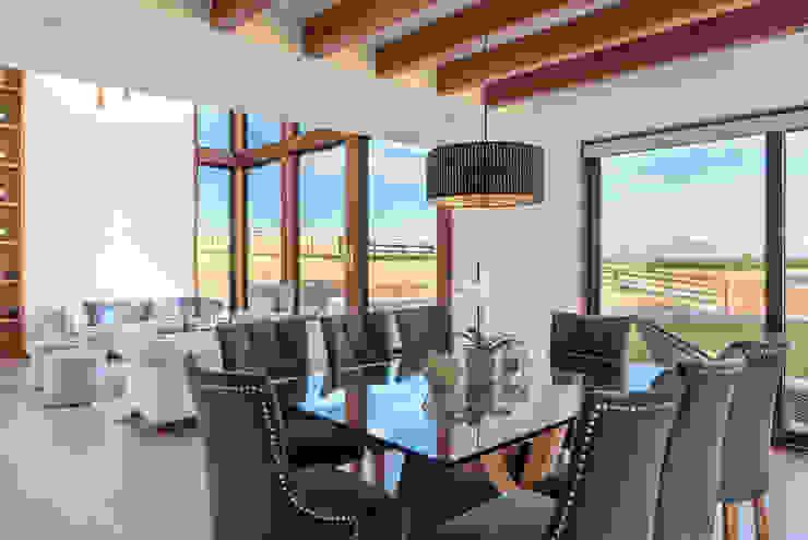 Casa LB - Llanquihue WINTERI Comedores de estilo moderno