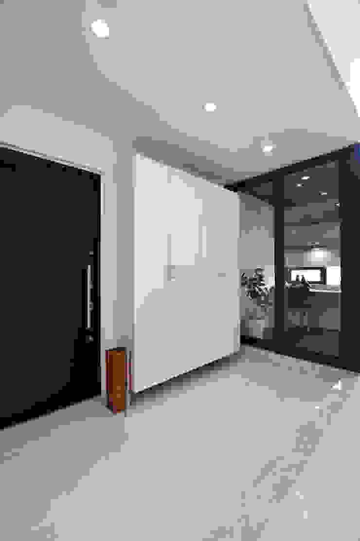 Style Create Коридор, прихожая и лестница в модерн стиле