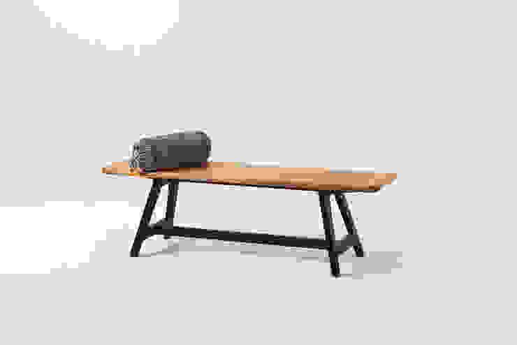 Banco de madera maciza con patas negras Liken ComedorSillas y bancos Madera maciza Negro