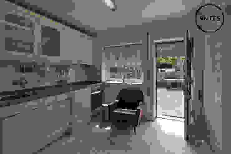 Antes - Cozinha - Casa em S. Mamede (arquitetura) - SHI Studio Interior Design ShiStudio Interior Design