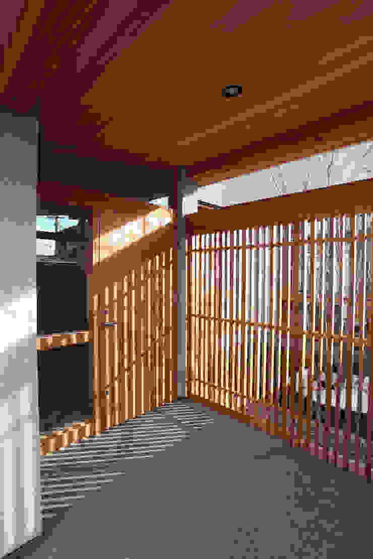 北村建築設計事務所 Modern Corridor, Hallway and Staircase