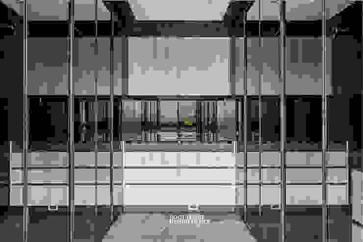 築本國際設計有限公司 Eclectic style dressing rooms