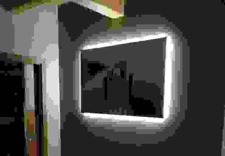LED-Strip Beleuchtung hinter einem Gemälde Skapetze Lichtmacher Kleines Schlafzimmer