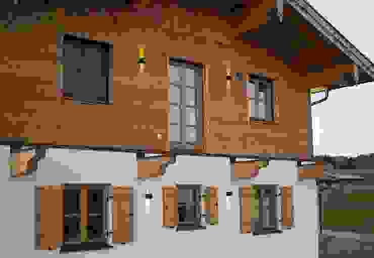 s.LUCE pro Ixa LED Innen- & Außen-Wandleuchte Skapetze Lichtmacher Holzhaus