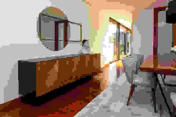 Vivenda São João da Madeira Angelourenzzo - Interior Design Salas de jantar mediterrânicas