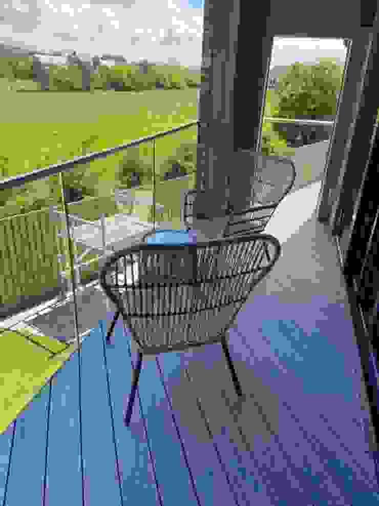 Glass balustrading in Luton Origin Architectural Balconies, verandas & terraces Accessories & decoration Glass Transparent