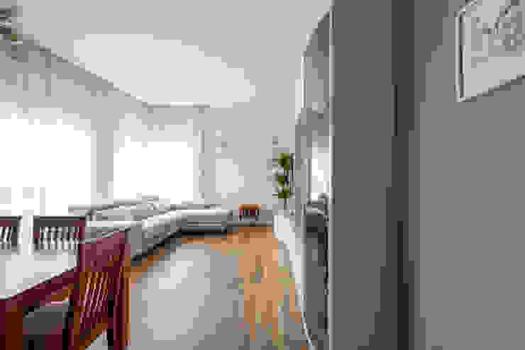 Soggiorno Arch+ Studio Soggiorno moderno