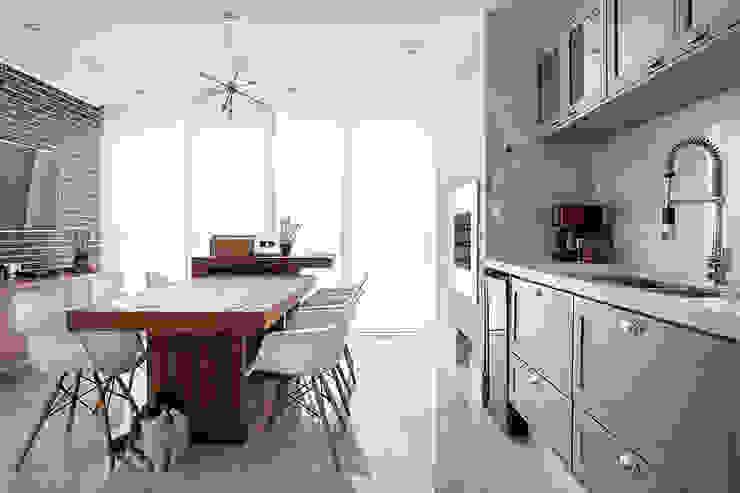 Palladino Arquitetura Rustic style dining room