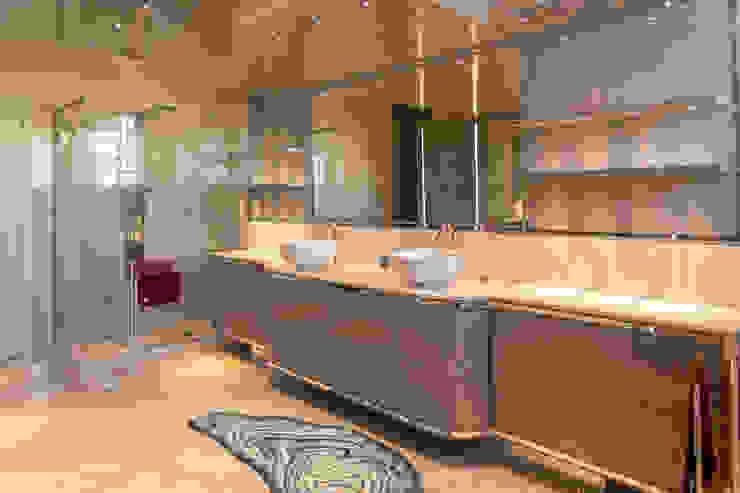 Brummel Rustic style bathroom Solid Wood Wood effect