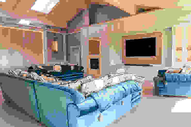 Brummel Rustic style living room Solid Wood White
