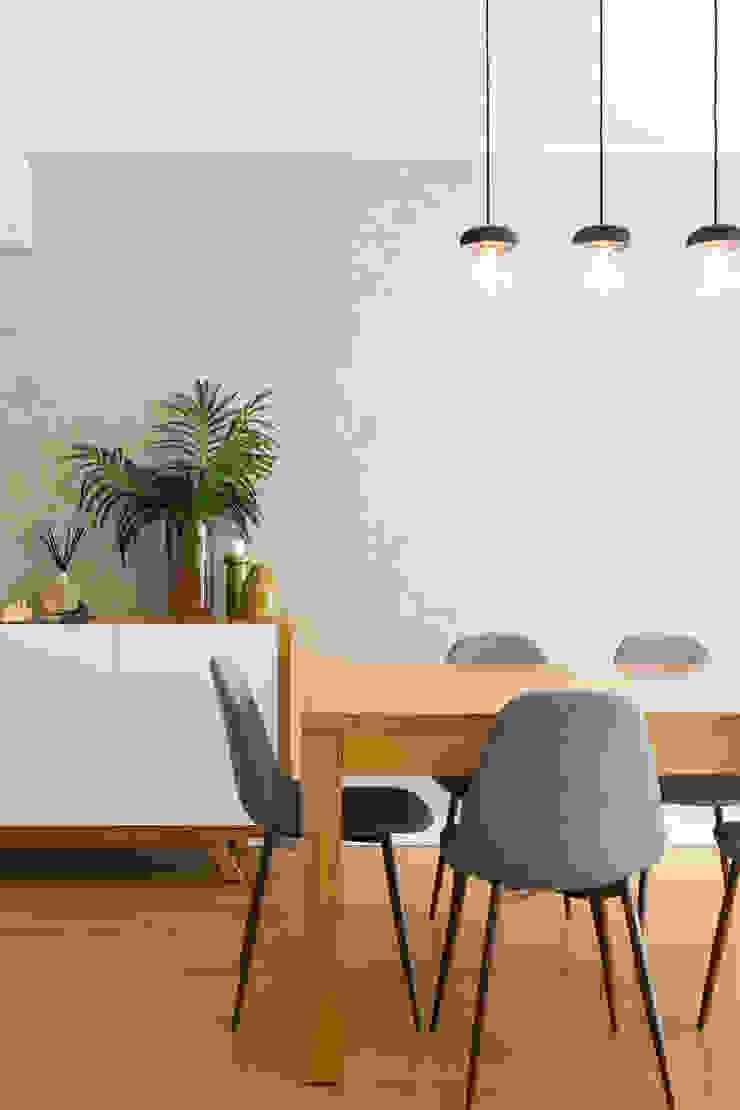 Sala de Estar   Apartamento T2   Oeiras Traço Magenta - Design de Interiores Sala de estarAcessórios e Decoração
