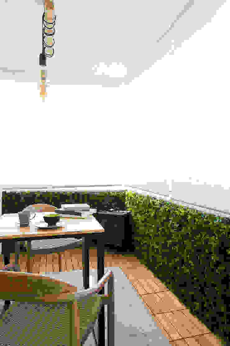 Quarto   Apartamento T2   Oeiras Traço Magenta - Design de Interiores Varanda, marquise e terraçoAcessórios e decoração