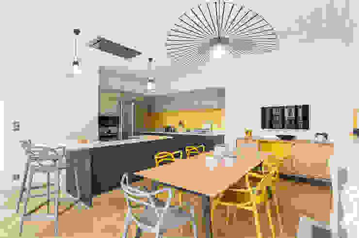 Décoration d'une cuisine design Studio Coralie Vasseur Cuisine moderne