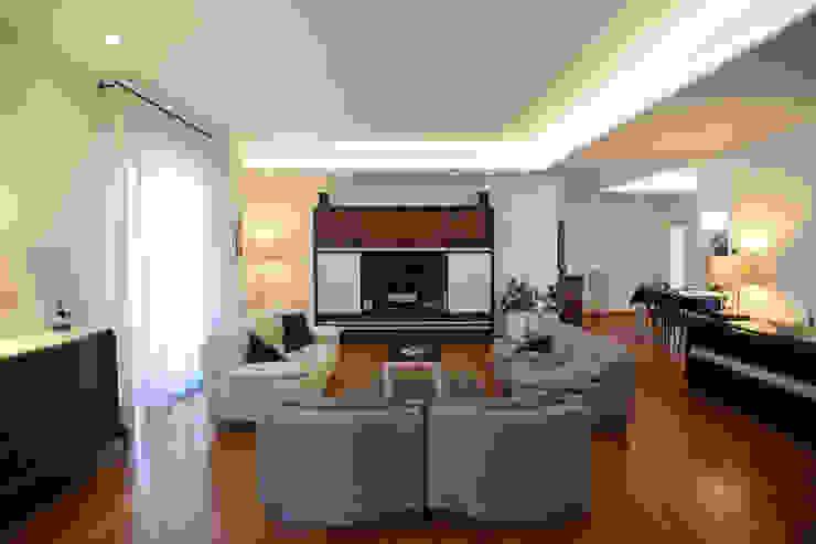 Casa M ADRIANO MALDERA ARCHITETTO Soggiorno moderno