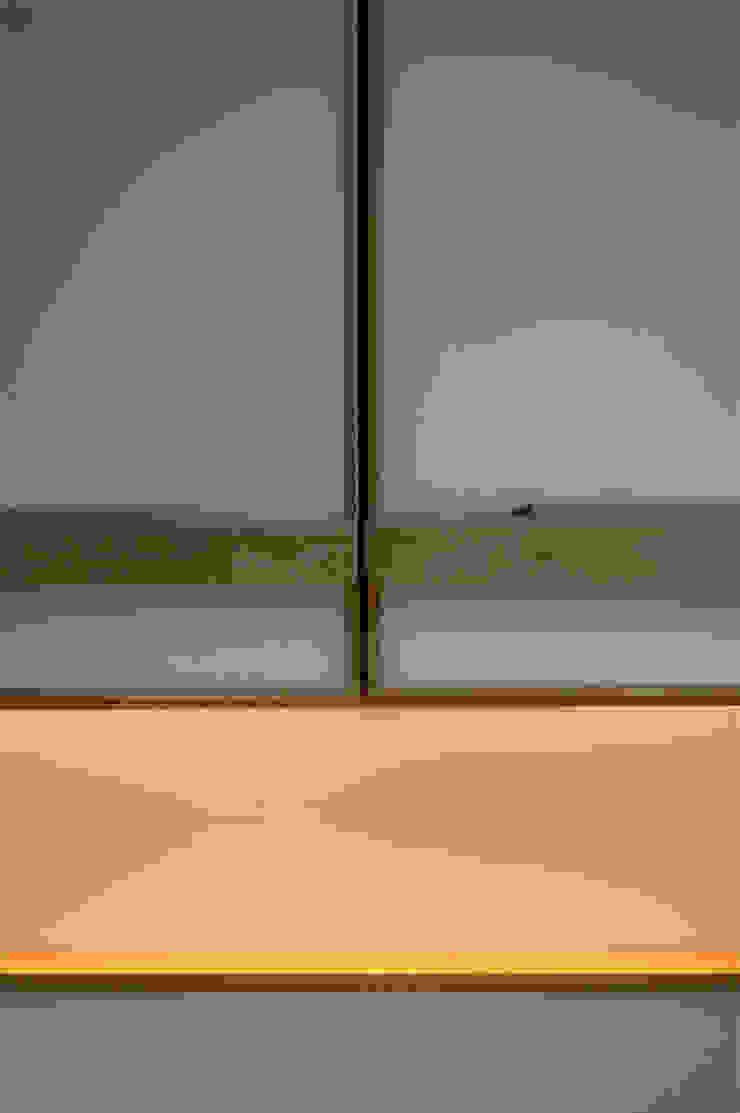 CUCINA - dettaglio OPA Architetti Cucina attrezzata Legno Bianco