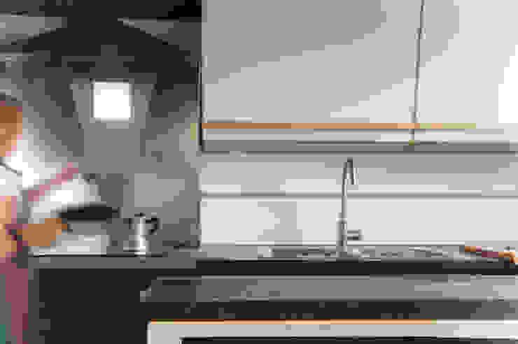 CUCINA OPA Architetti Cucina attrezzata Legno Bianco